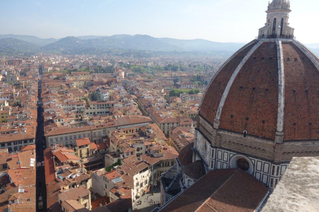 Vue surélevée de Florence et de la Cathédrale Santa Maria del Fiore