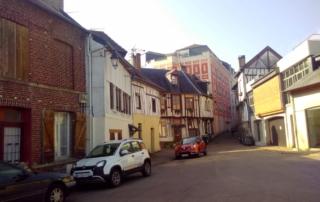 Maison à collombages dans le centre-ville de Pont-de-l'Arche