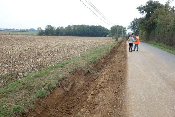 Chantier de remplacement d'une ligne électrique aérienne par une ligne enterrée